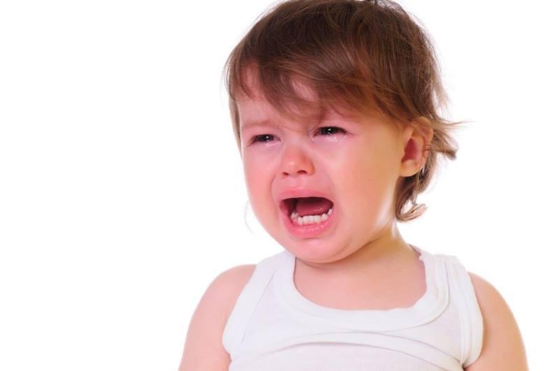 Двухлетний ребенок истерит