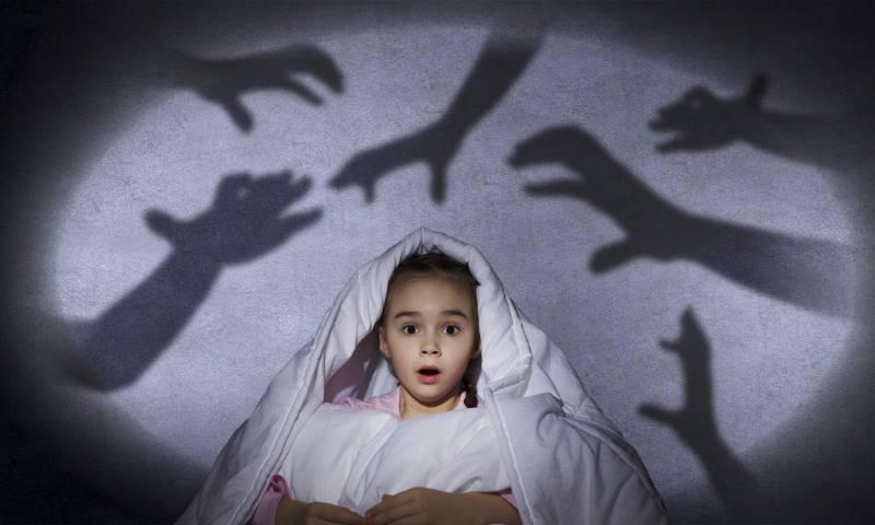 Девочка напугана