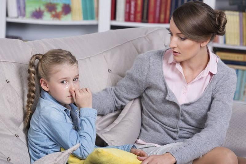 Ребенок манипулирует мамой