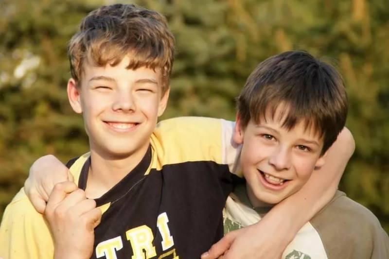Мальчики 10 лет